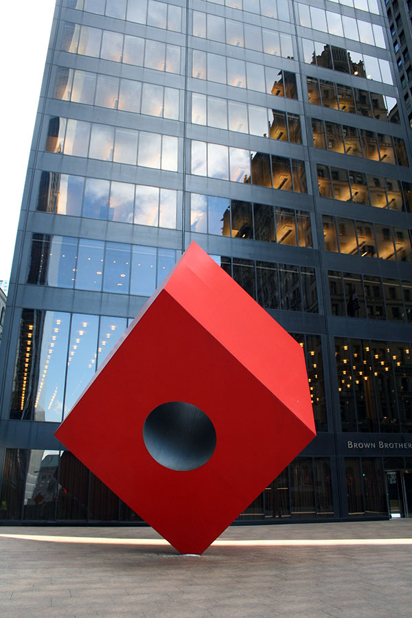 Red Cube de Isamu Noguchi