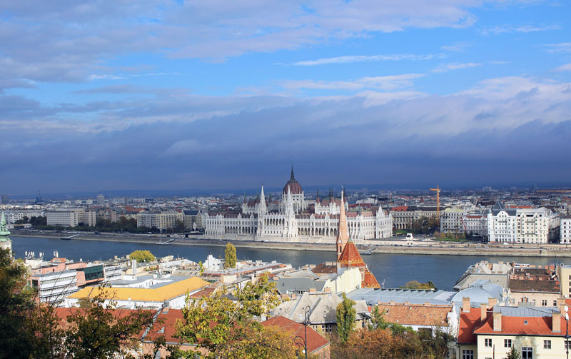 Vista desde el Danubio - Visita el Parlamento de Budapest