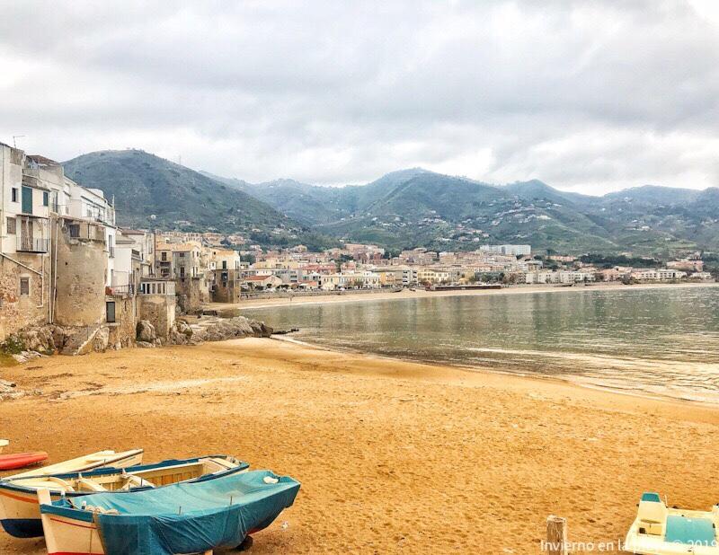 Cefalú, su playa pequeña