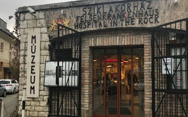 Hospital en la Roca