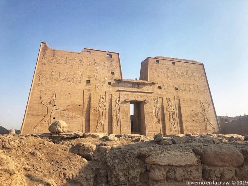 Templo de Edfu, junto con Kom-Ombo dos paradas imprescindibles en tu viaje.