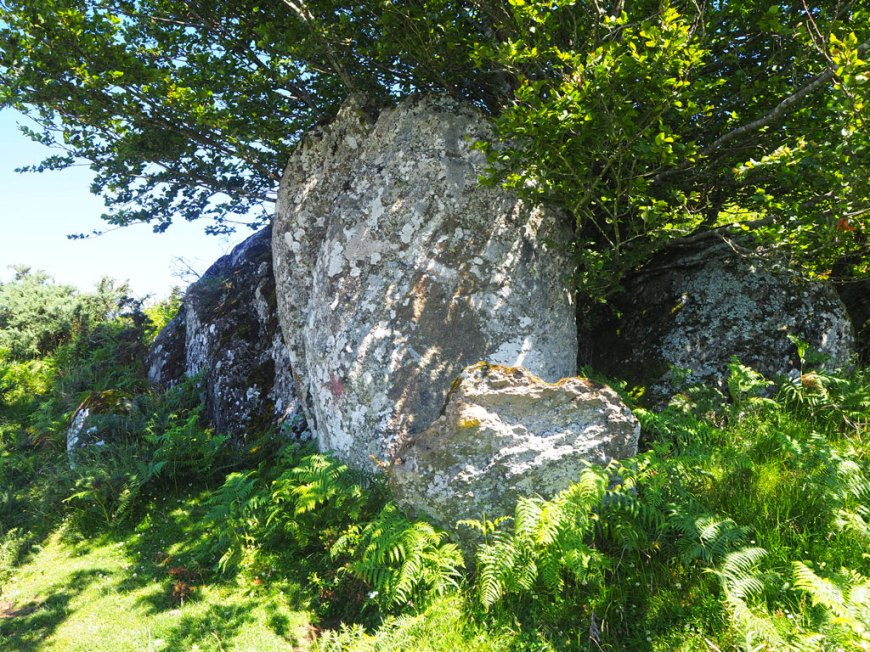 Material para dólmenes y menhires