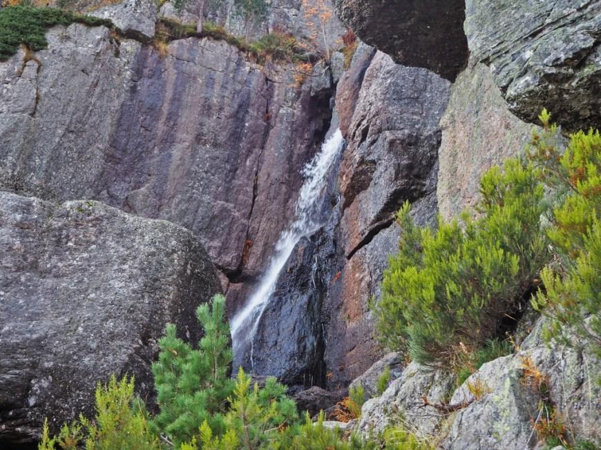 Cascada Laguna Negra