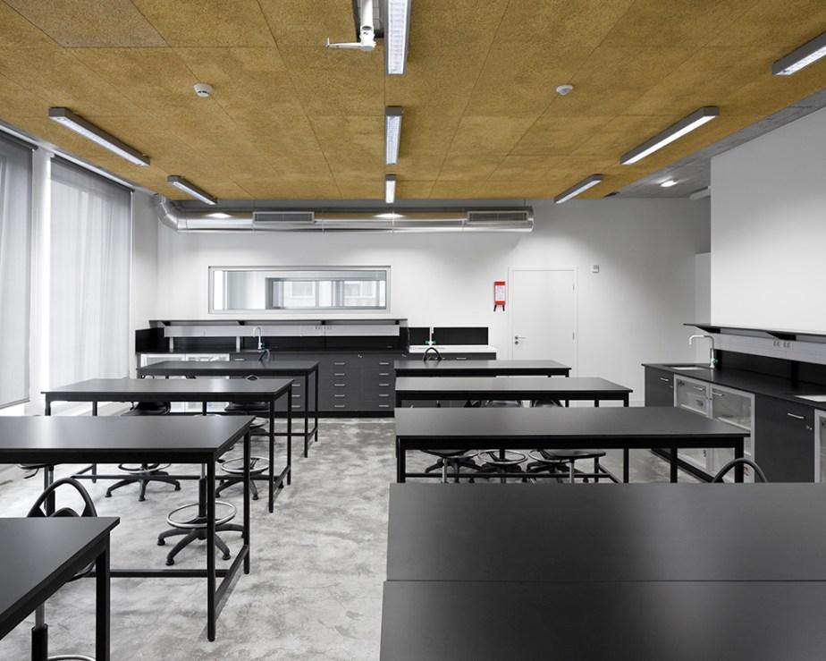 braamcamp-freire-school-cvdb-burnay-verissimo-lisboa-invisiblegentleman-©IG044203015