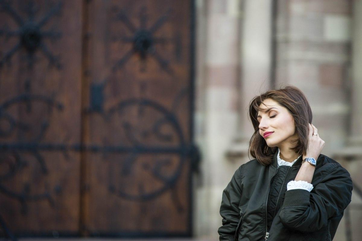 UNIQLO x Ines de la Fressange: féminine en bomber