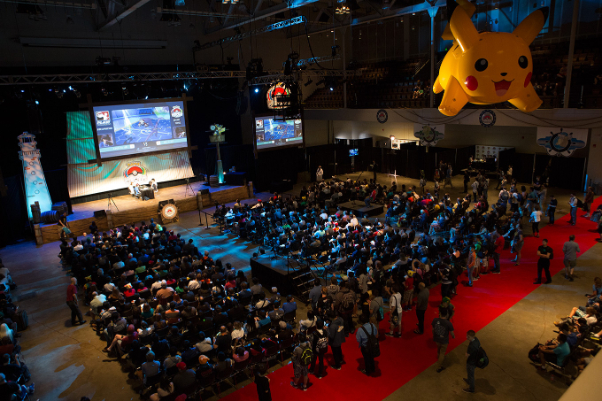 crowd-with-pikachu