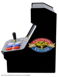 DGUNL-3283_Micro_Player_Street_Fighter_2_Side1