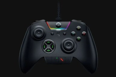 https___hybrismediaprod.blob.core.windows.net_sys-master-phoenix-images-container_ha9_h82_9081229377566_Razer-Wolverine-Ultimate-PC-and-Xbox-One-Controller0