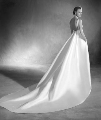 Vestido de novia modelo Elma de Pronovias 2017
