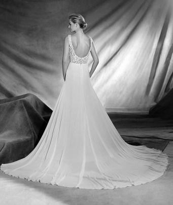 Vestido de novia modelo Orone de Pronovias 2017
