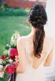 Invitada boda o novias con coleta