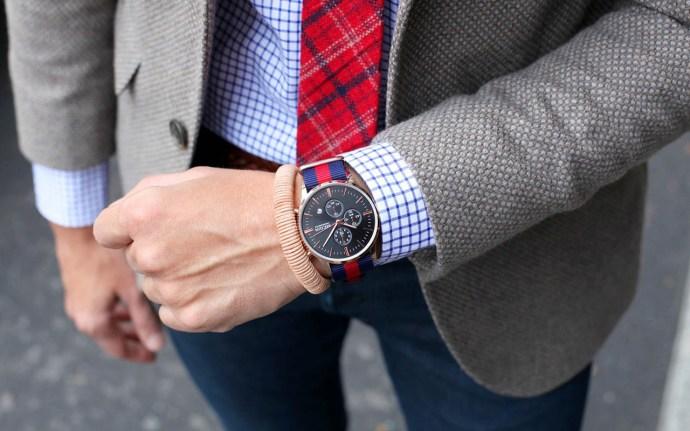 reloj-negro-y-dorado-riviera-megir-38