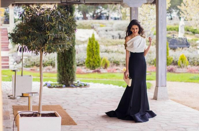 Look hermana de la novia con vestido de Carmen Horneros 6