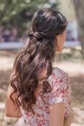Invitada perfecta boda look vestido largo flores canotier peinado suelto