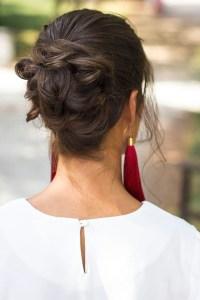 Maquillaje peluqueria fiesta invitada boda recogido pendientes flecos