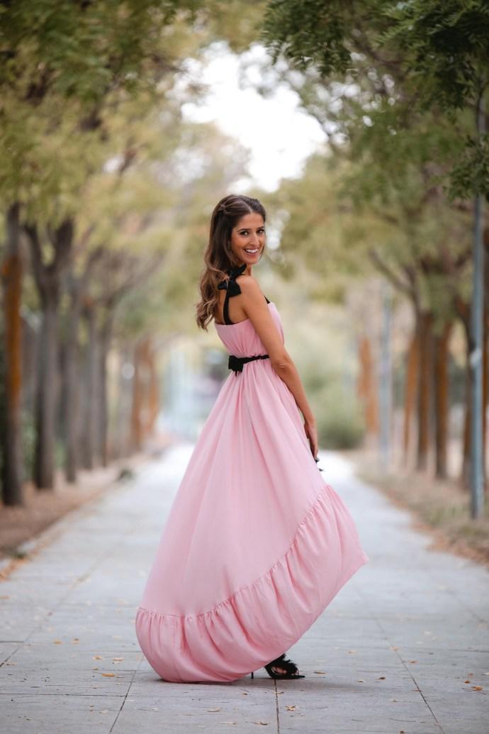 vestido rosa largo asimetrico boda