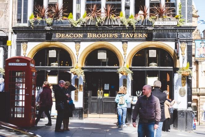 edimburgo deacon brodie tavern