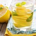 De ce e bine să ne începem ziua cu apă cu lămâie și miere?