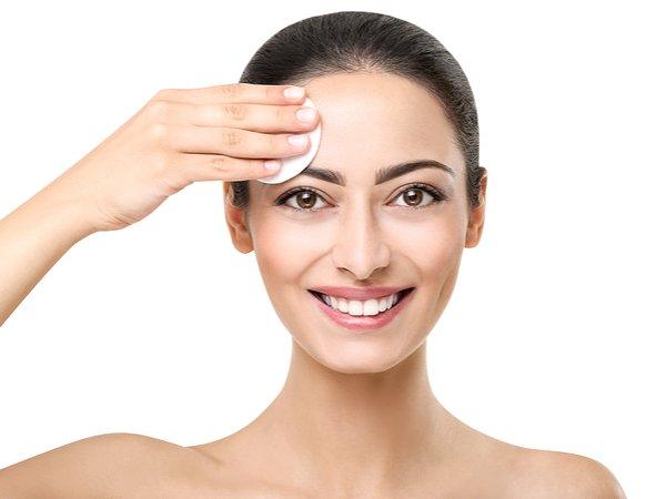 Folosește un produs cu retinol