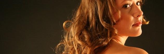 Trucuri care îi dau volum părului tău, cu efect instantaneu
