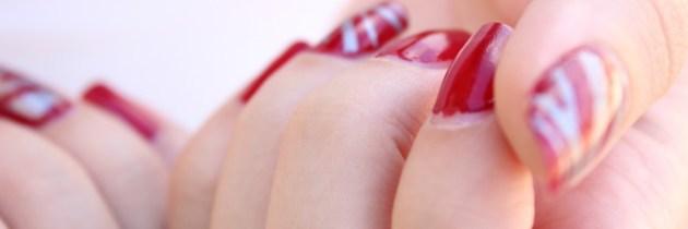 Remedii simple și ușoare, dacă vrei să ai unghii lucioase și fără pete