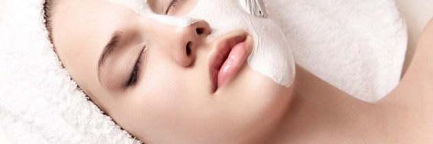 Tratamentul facial cu pudră de perle. De ce să-l alegi și cum se poate face acasă