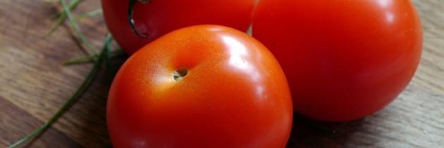 Ten strălucitor cu aceste măști naturale, pe bază de tomate
