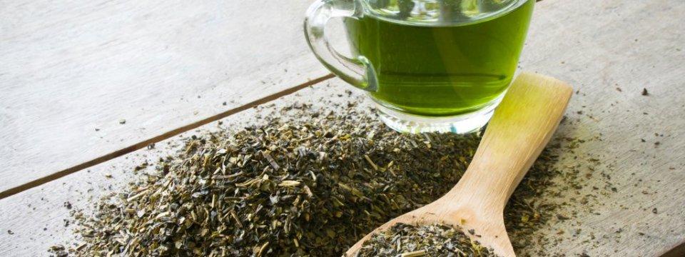 Ceaiul verde reduce căderea părului! Vezi cum îl poți folosi!