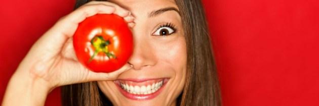 Sucul de roșii: beneficii pentru ten și modalitățile de utilizare