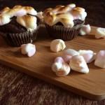 Cupcakes cu banane, cacao si marshmallows