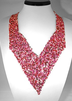 Pink-puzzle-woven-V-necklace1