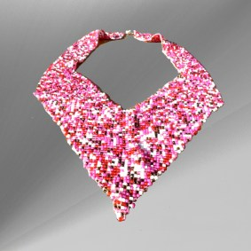 Pink-puzzle-woven-V-necklace2