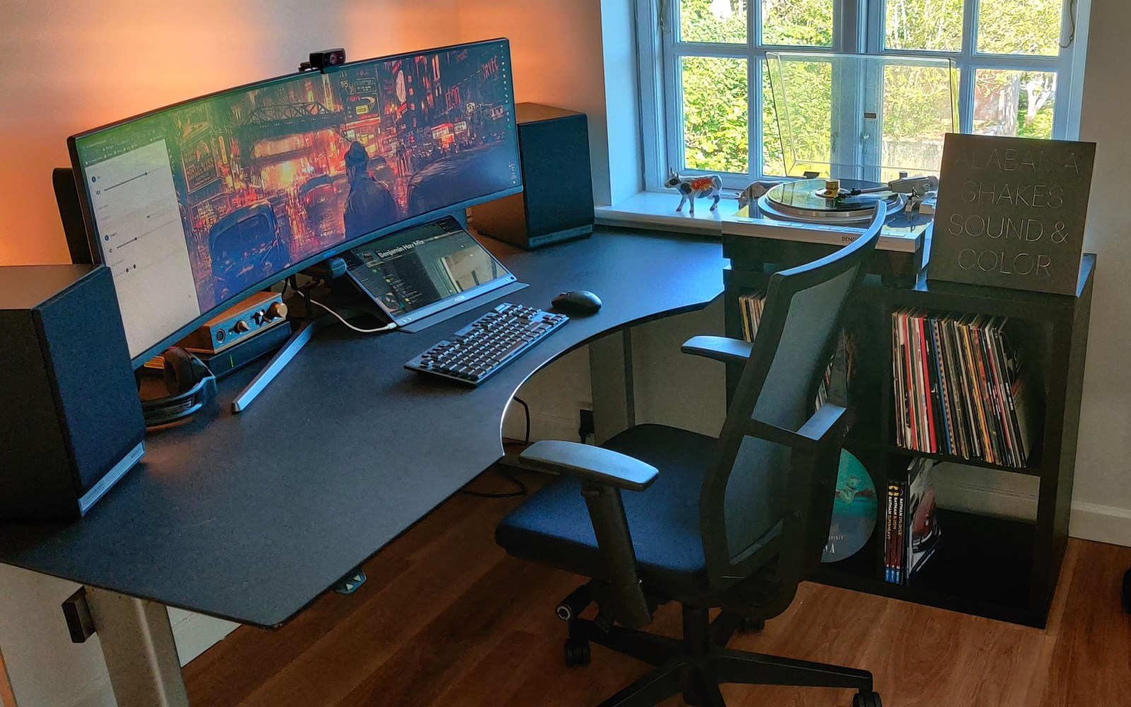 """A """"Work From Home"""" professional audio battlestation to enjoy quality music in peace"""