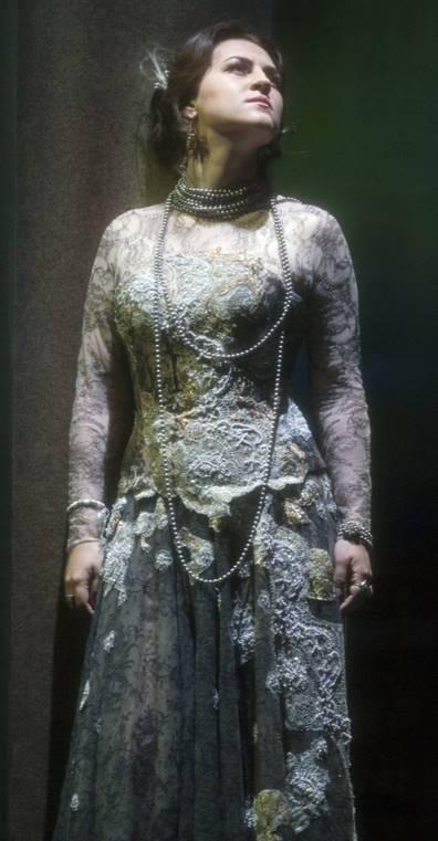 venera-gimadieva-la-traviata-glynebourne-video