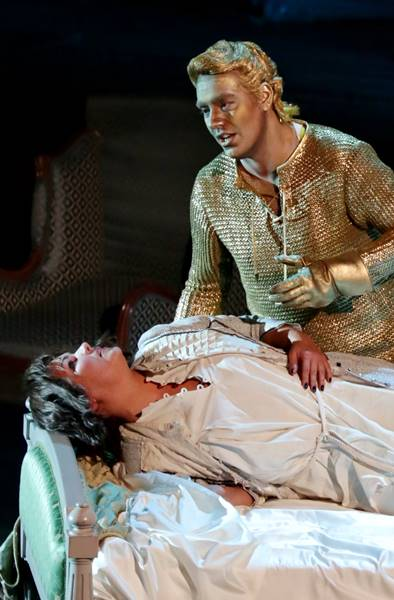 Anna Netrebko y Francesco Meli en Giovanna d'Arco