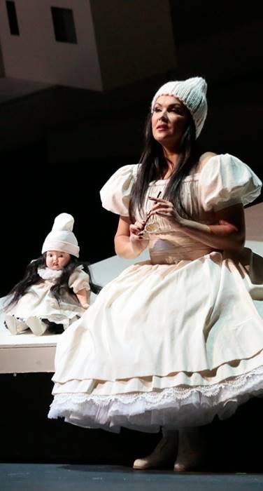 Manon Lescaut de Puccini en el Bolshoi, desde el Teatro de Moscú, vídeo dela ópera de Puccini, en el debut de Anna Netrebko