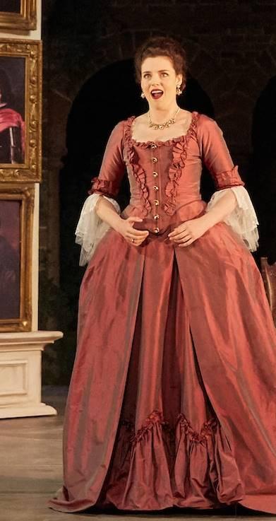 Las bodas de Fígaro por Garsington Opera Le nozze di Figaro Garsington Opera 2017 Jennifer France (Susanna), Duncan Rock (Count),