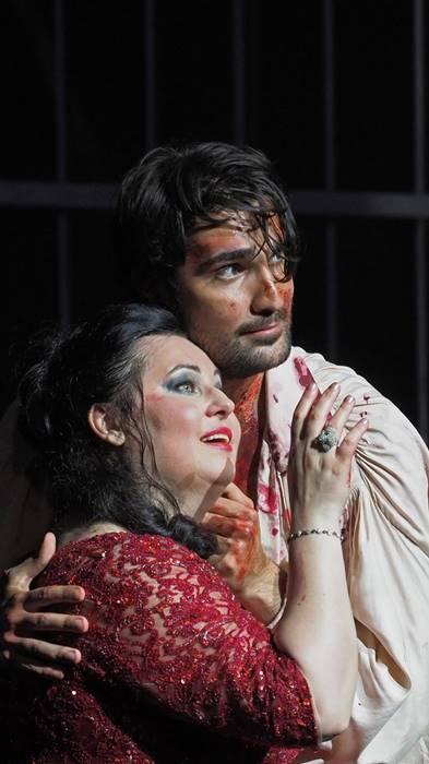 Tosca de Puccini en el Liceu vídeo