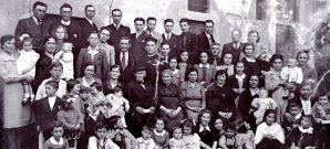 Celeste Mariani al centro per il 50° di Matrimonio ricerca genealogica
