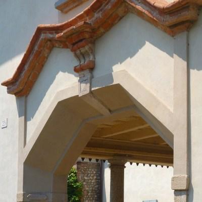 L'architettura ingentilita da geometrie in laterizio