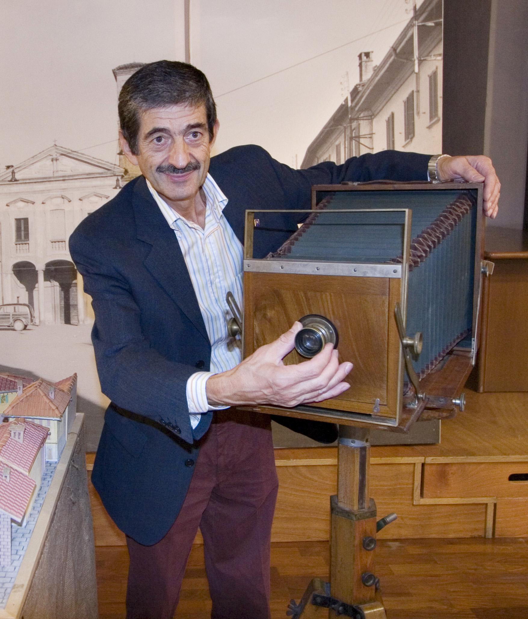 Rino Tinelli, il postino alla rovescia