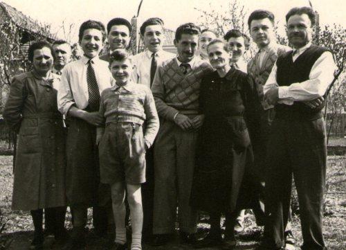 jeep Willys 1942, Darix Togni, officina lecchi, autofficina lecchi, edoardo lecchi, riccardo lecchi, mario lecchi, famiglia lecchi, garage lecchi, trezzo sull'adda, negozi storici, meccanici, storia meccanico