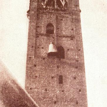 Moretti e il campanile: l'ombra che illumina