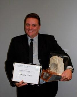 Shayne Elliott (IOQ Auckland) receives RD Hassed Memorial Award