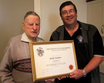 Keith Niederer receives Honorary Fellowship from Gordon Laing