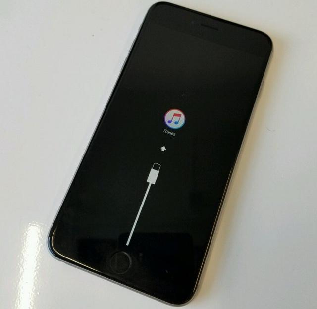 ios-10-brick-iphone