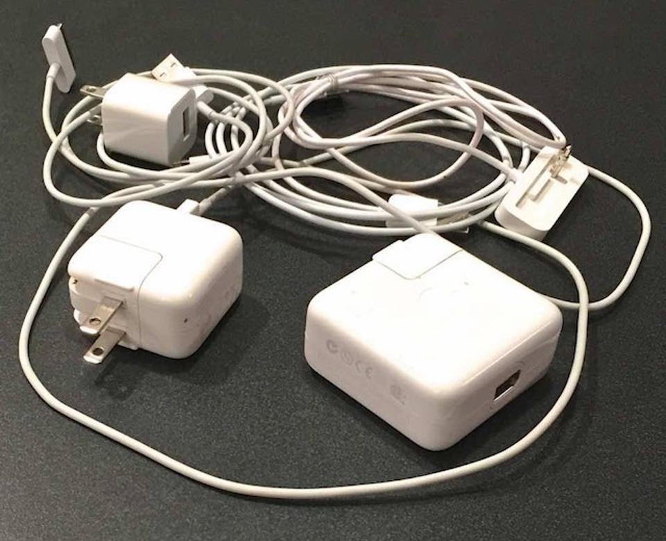 apple-cables-and-chargers