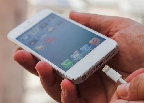 Lightning-iphone-5-blanco