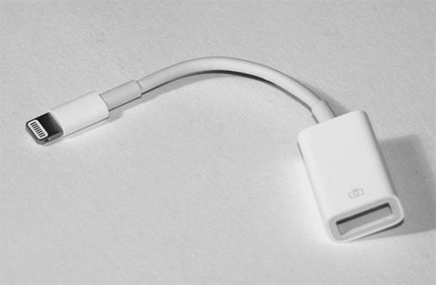 Apple introduce novedades en los adaptadores del conector Lightning