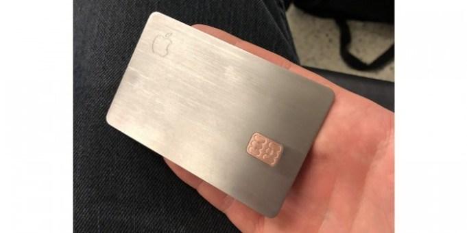 Apple Card de metal